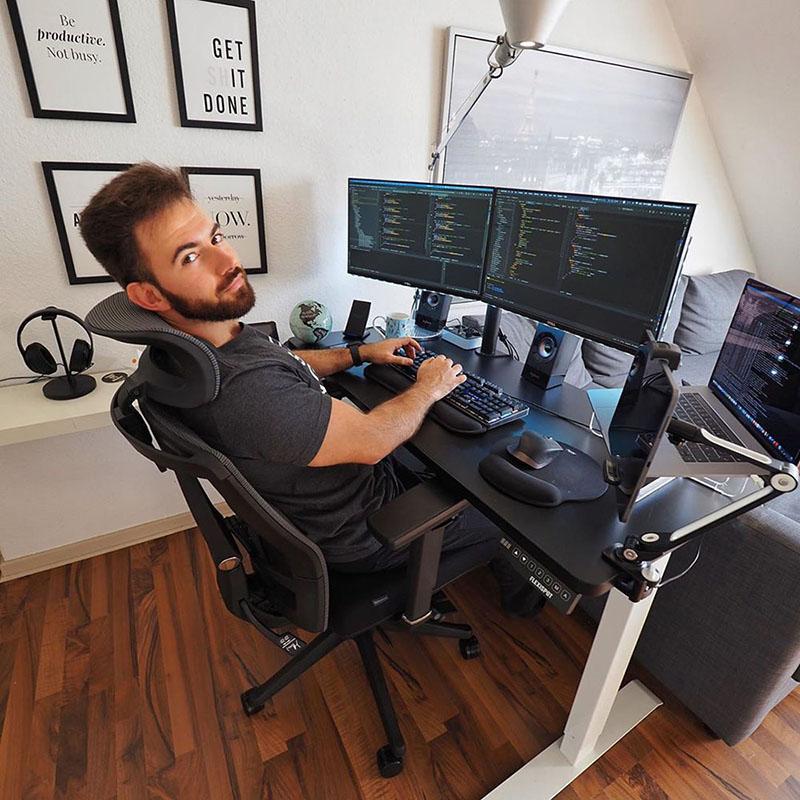 Sử dụng 2 màn hình máy tính